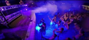 rookmachine huren pool party