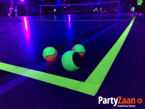 blacklight-tennis-bal