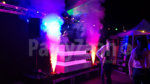 DJ meubel wit LED geyser rookmachine